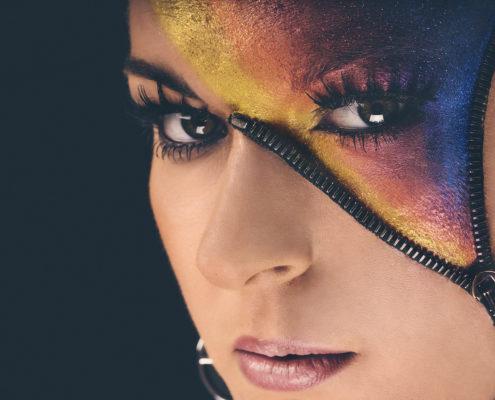 Extreme Make-up mit Reissverschluss